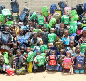 Dons en fournitures scolaires aux élèves du village d'Akpakpakpé